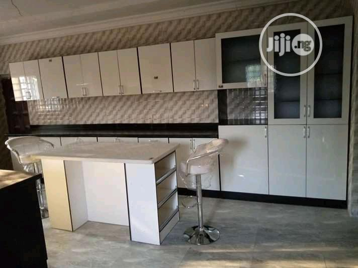 Building Home Kitchen Cabinets And Home Wardrobes