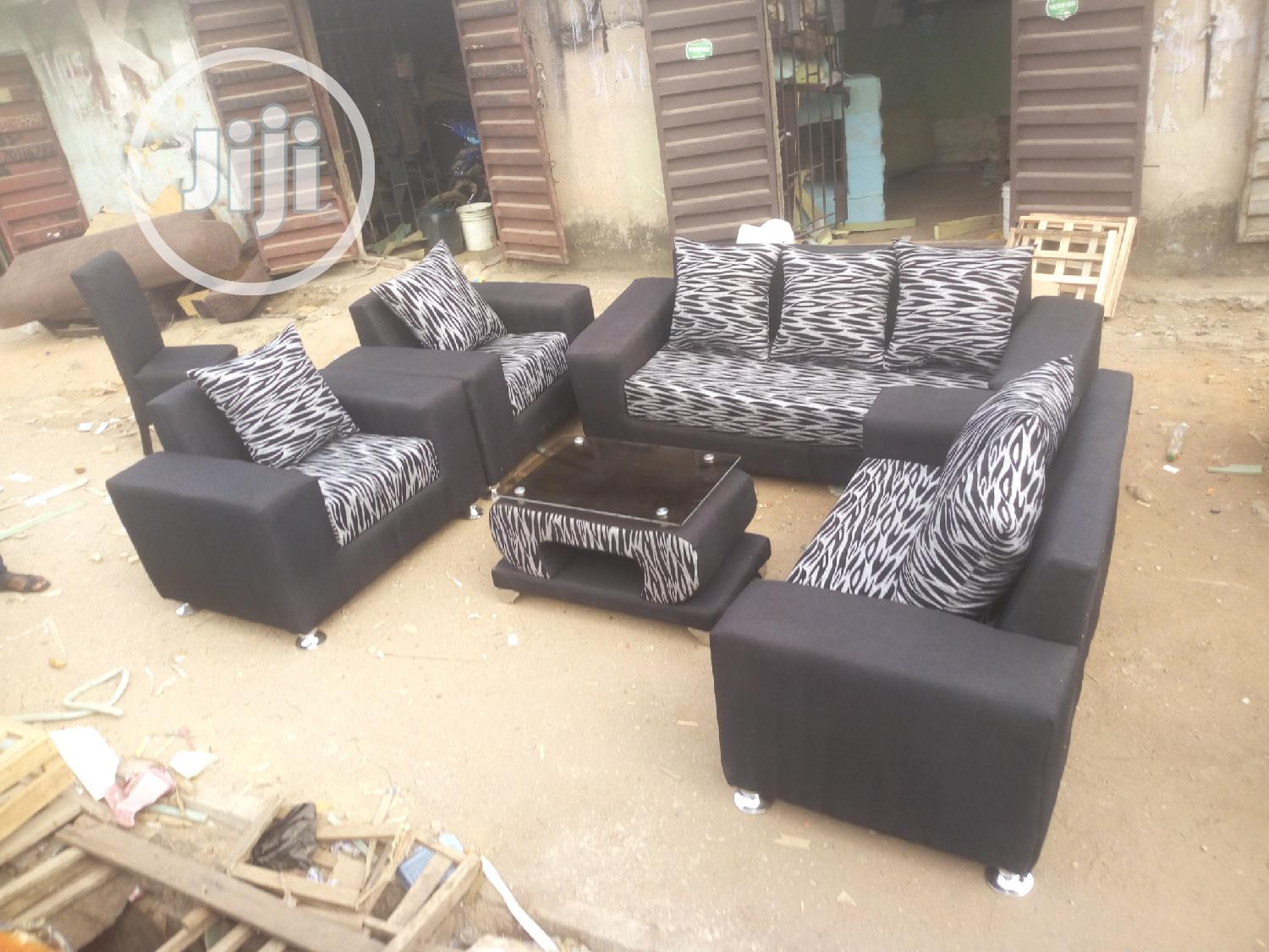 Seven Seater Sofa Chair With Table | Furniture for sale in Alimosho, Lagos State, Nigeria