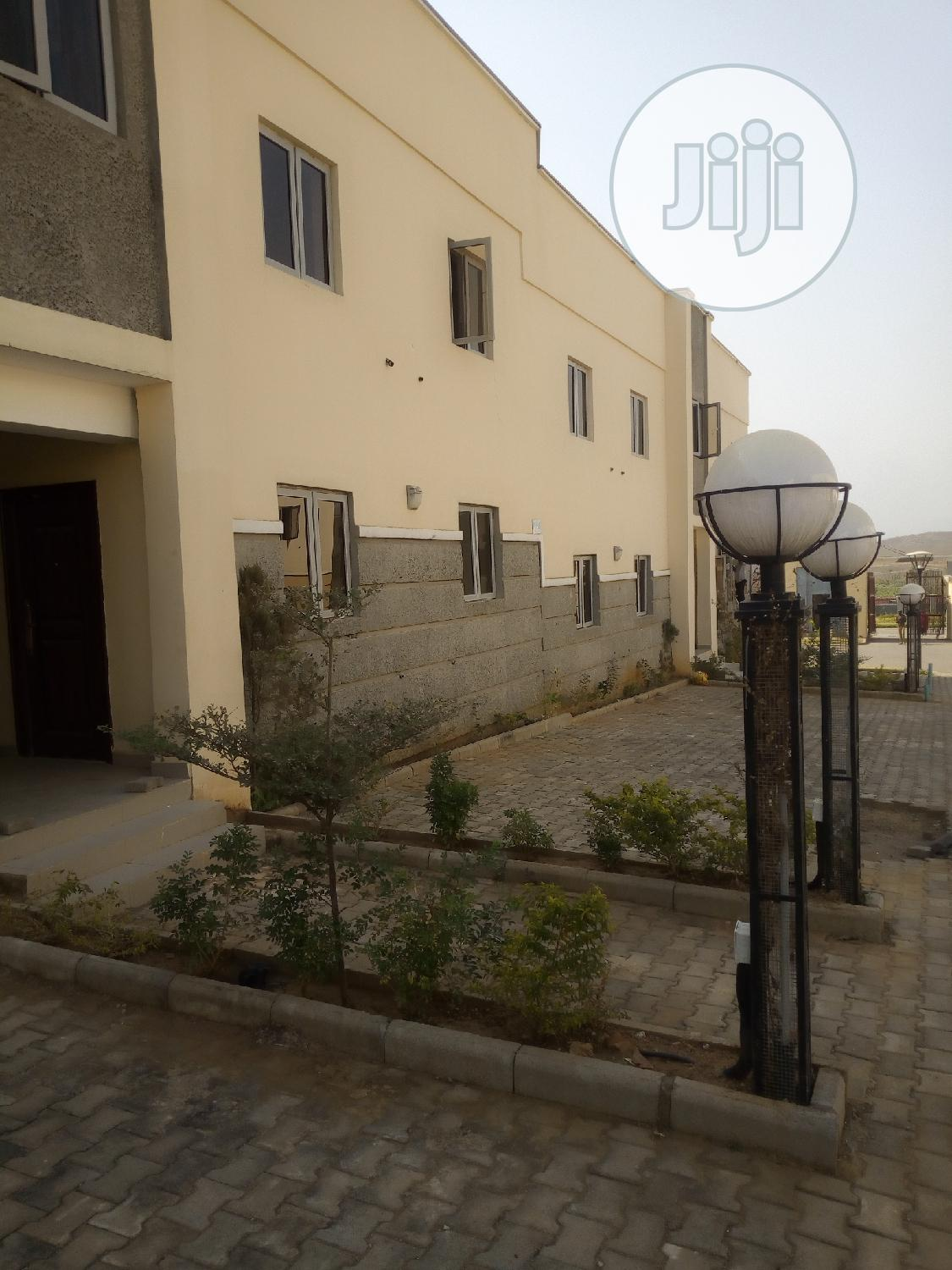 3bedroom Flat,Selling Below Market Value at Lifecamp | Houses & Apartments For Sale for sale in Life Camp, Gwarinpa, Nigeria