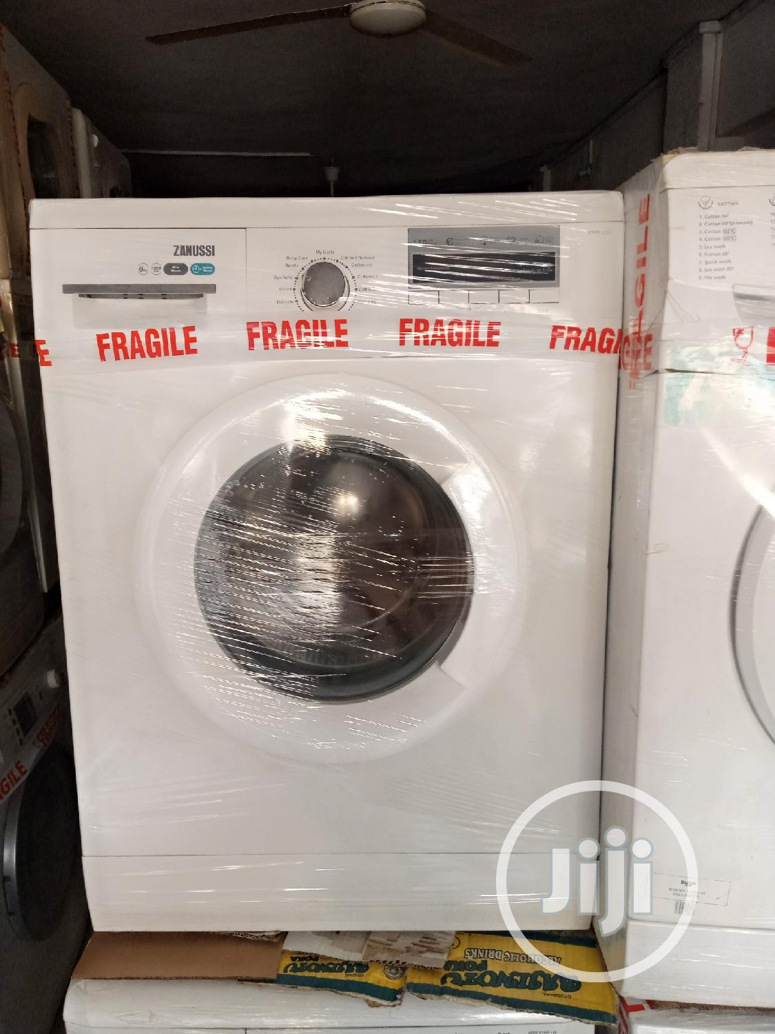 7kg Zanussi Waahing and Spin Machine. | Home Appliances for sale in Surulere, Lagos State, Nigeria