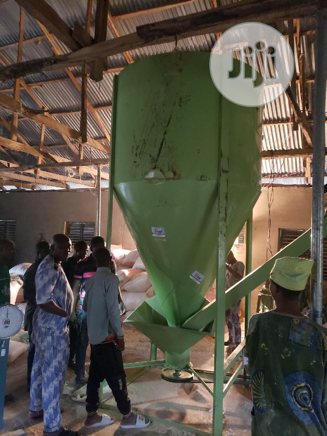 Chicken Feedmill Machine | Manufacturing Equipment for sale in Central Business Dis, Abuja (FCT) State, Nigeria