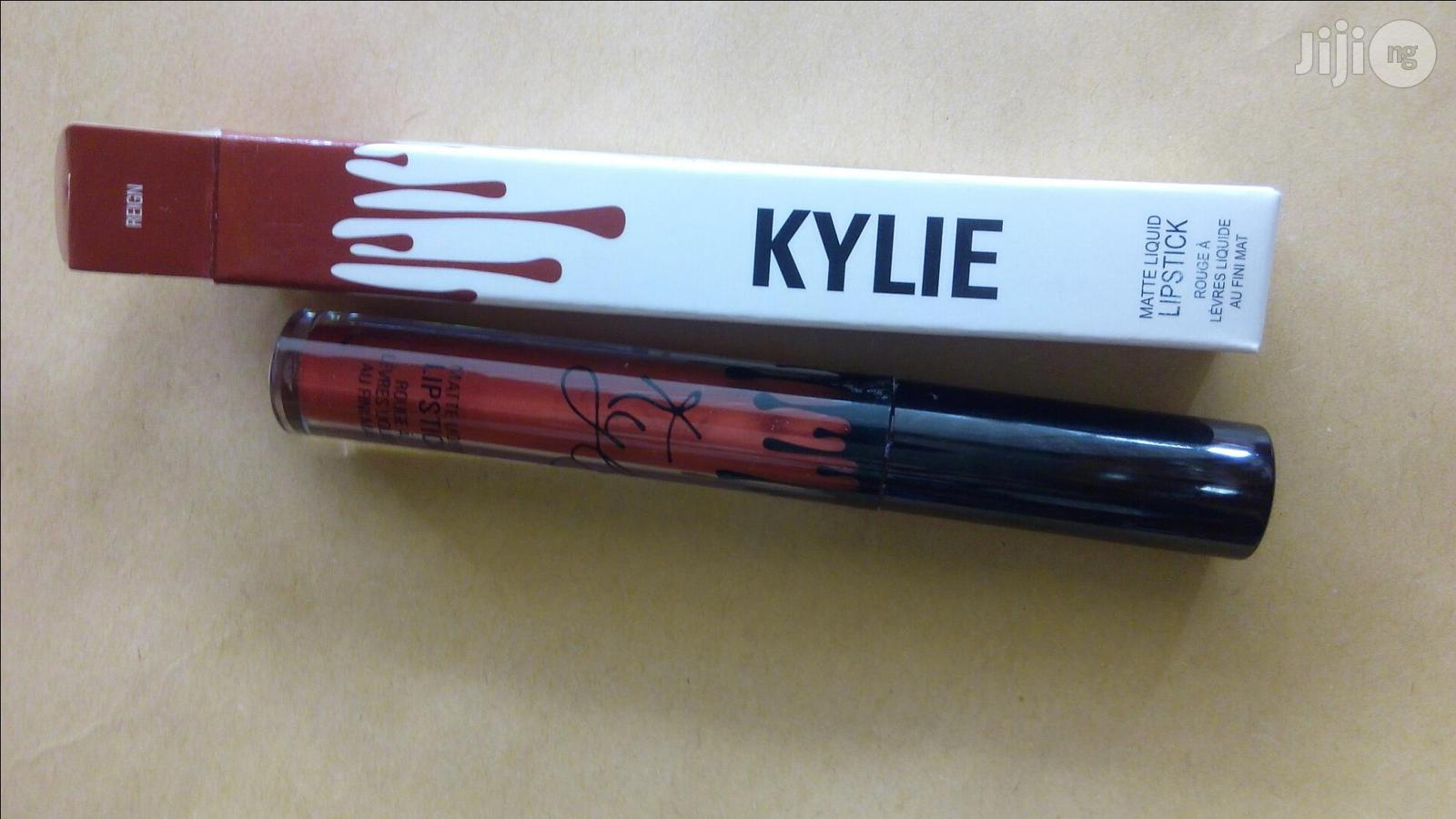 Archive: Kylie Lipstain
