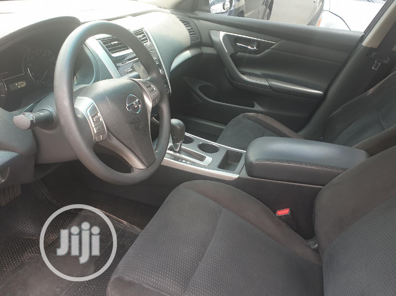 Archive: Nissan Altima 2015 Black