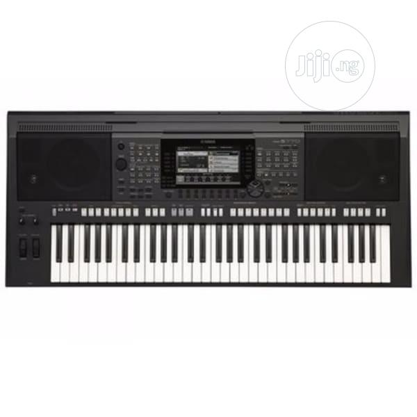 Yamaha Workstation Keyboard With Adapter - PSR S770
