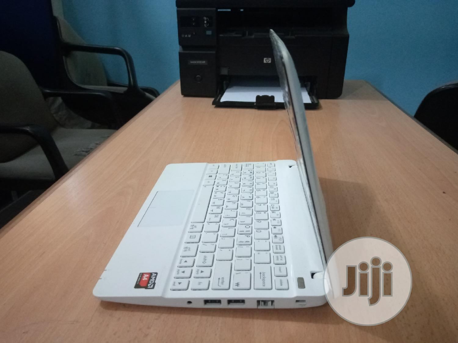 Archive: Laptop Asus X102BA 4GB Intel Core 2 Duo HDD 250GB