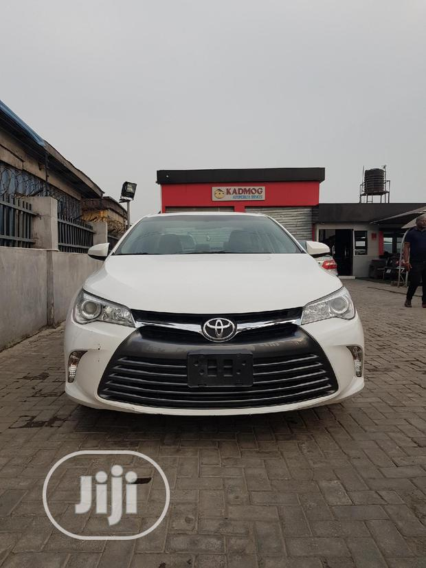 Archive: Toyota Camry 2017 White
