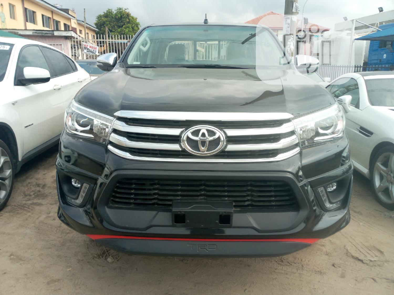 New Toyota Hilux 2019 SR5 4x4 Black