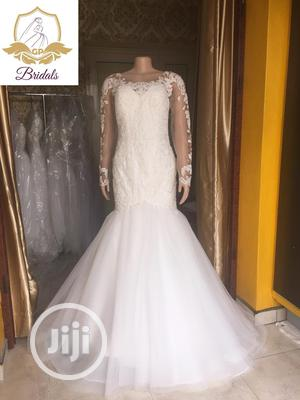 Wedding Gown For Rent With Veil Robes   Wedding Wear & Accessories for sale in Lagos State, Magodo