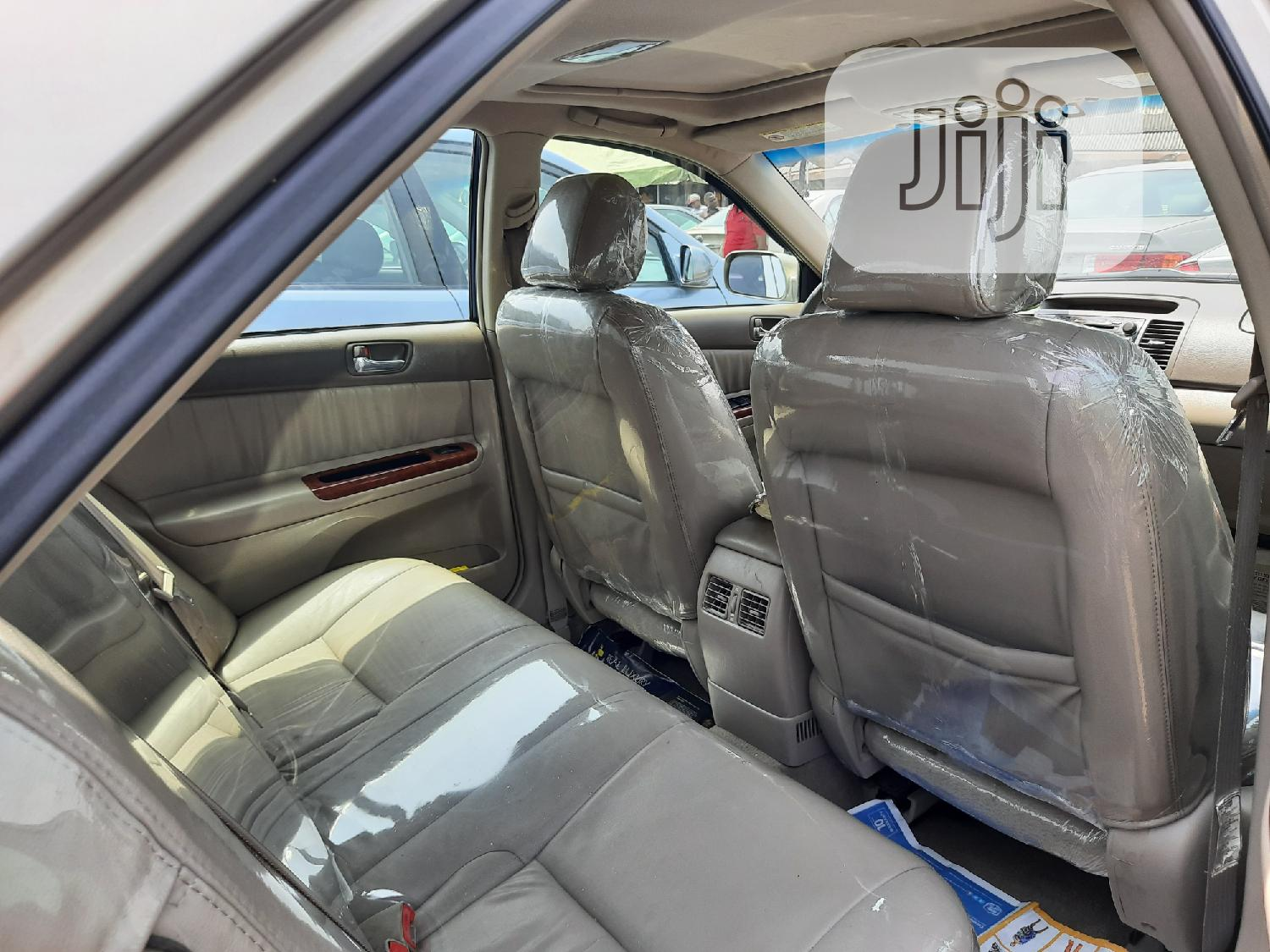 Toyota Camry 2004 Gold