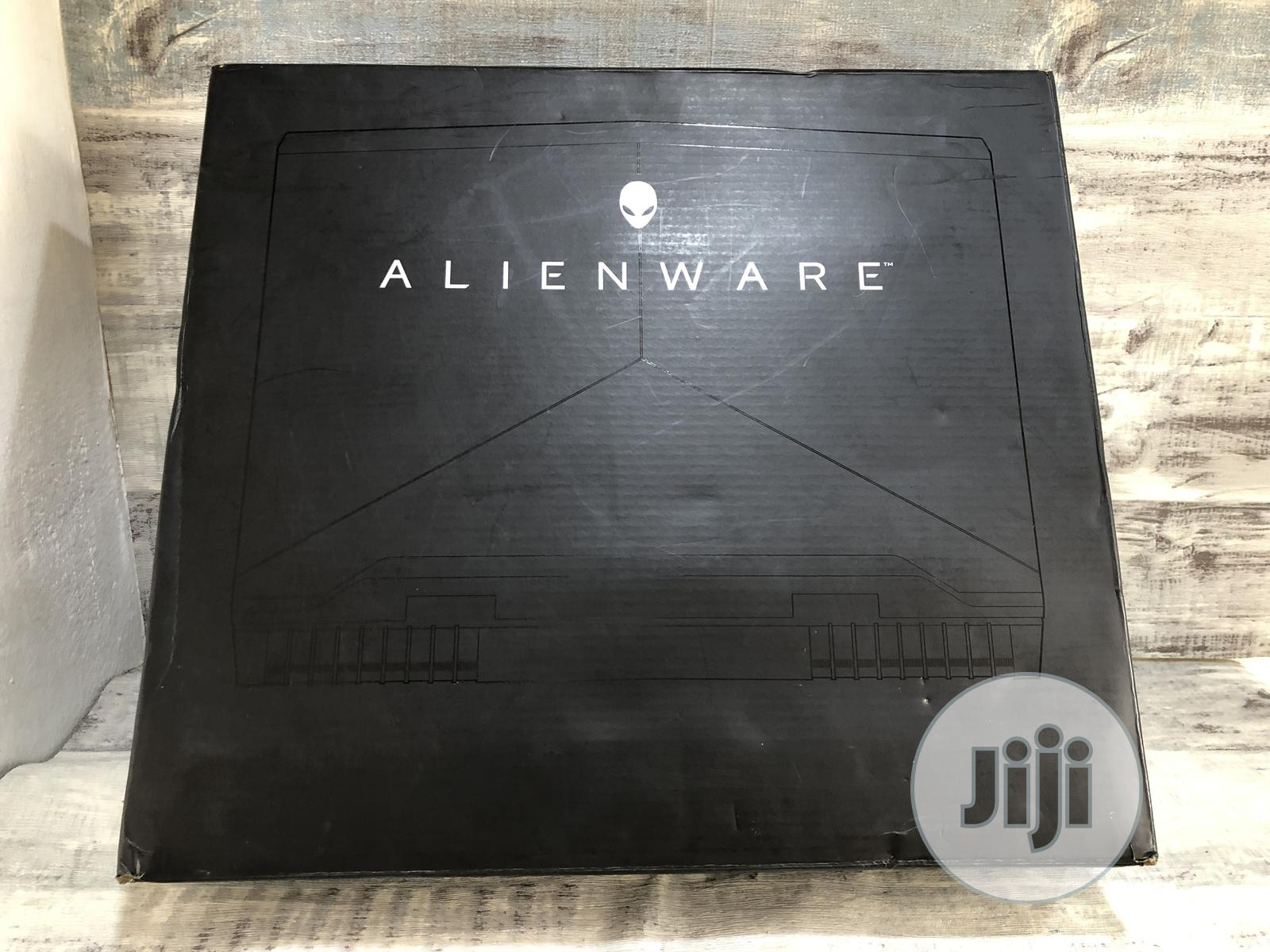 Laptop Dell Alienware 17 R4 32GB Intel Core I7 SSHD (Hybrid) 1T