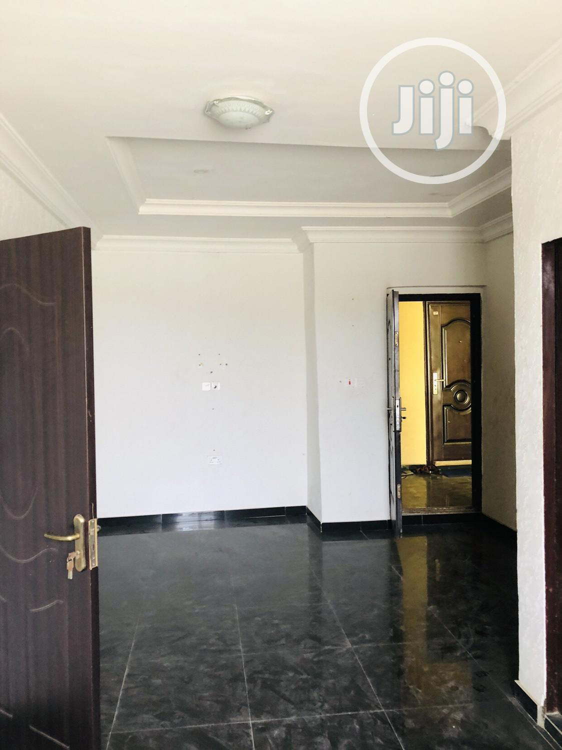 Nice and Lovely Mini Flat in Surulere With Pop and Water | Houses & Apartments For Rent for sale in Surulere, Lagos State, Nigeria
