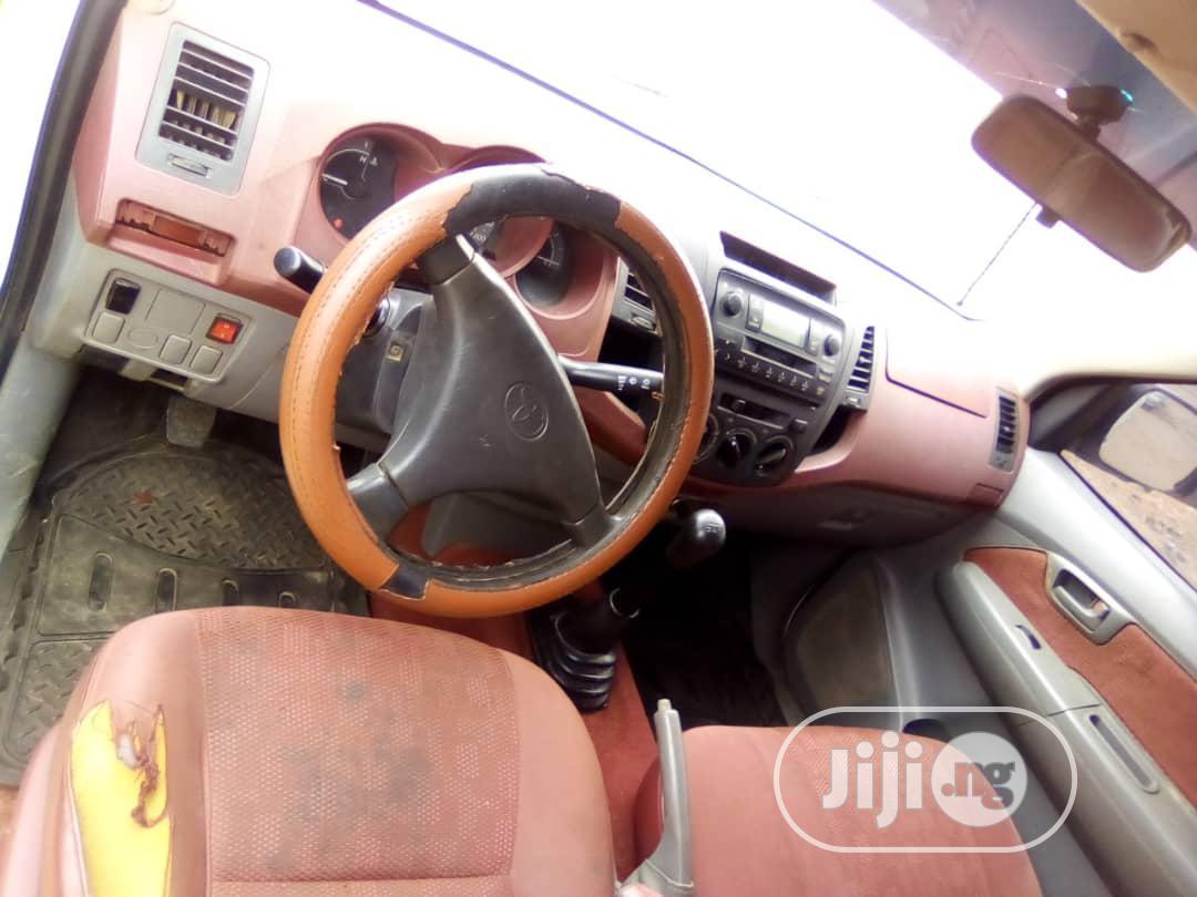 Archive: Toyota Hilux 2012 2.0 VVT-i White