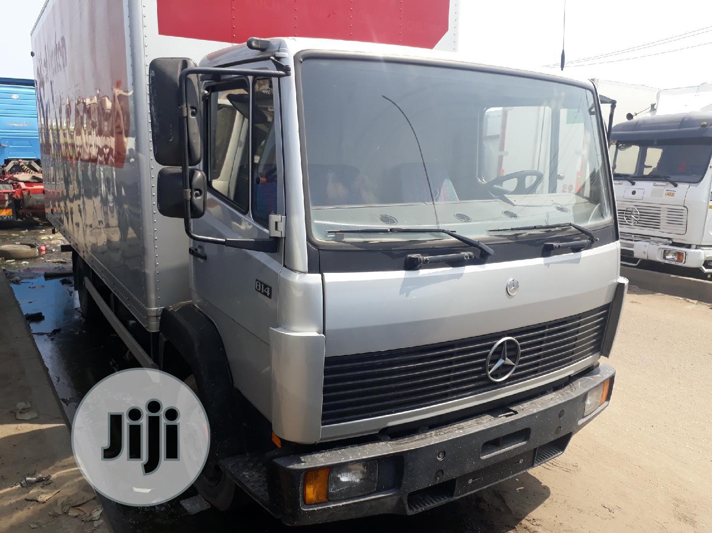 Mercedes Benz Truck 814