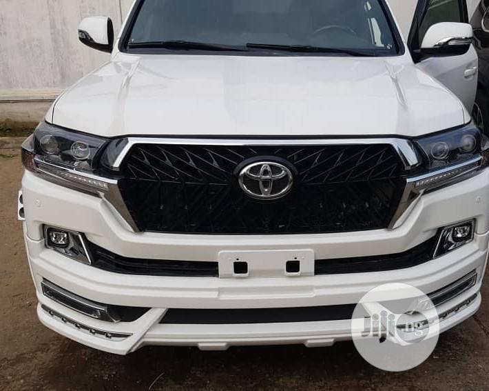 Toyota Land Cruiser 2017 White