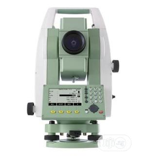 """Leica Ts06plus 2"""" R500 Total Station Package 