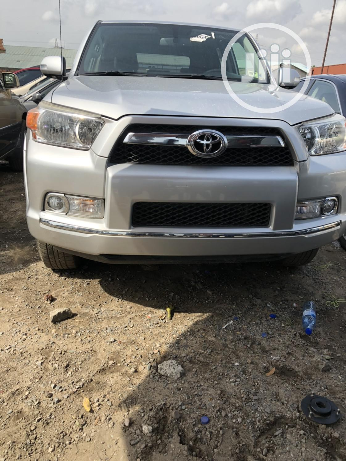 Toyota 4-Runner 2010 SR5 4WD Silver | Cars for sale in Lagos State, Nigeria