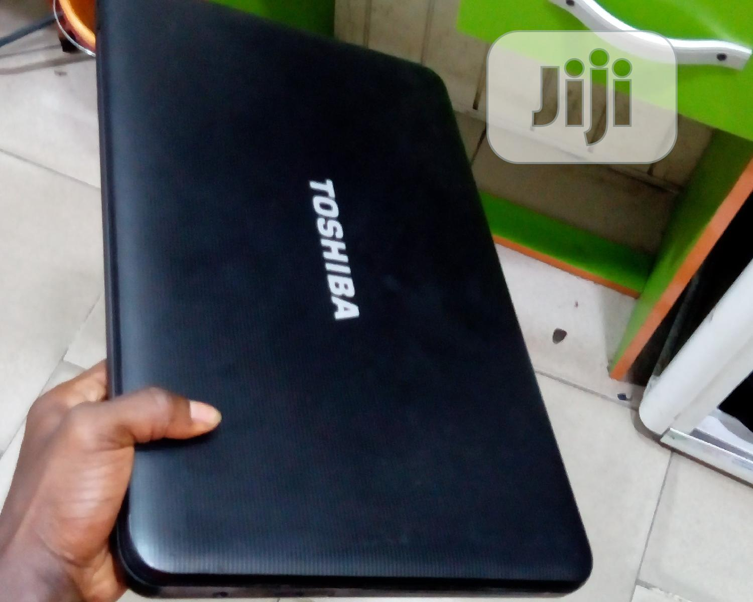 Archive: Laptop Toshiba Satellite C855 4GB Intel Core i3 HDD 320GB