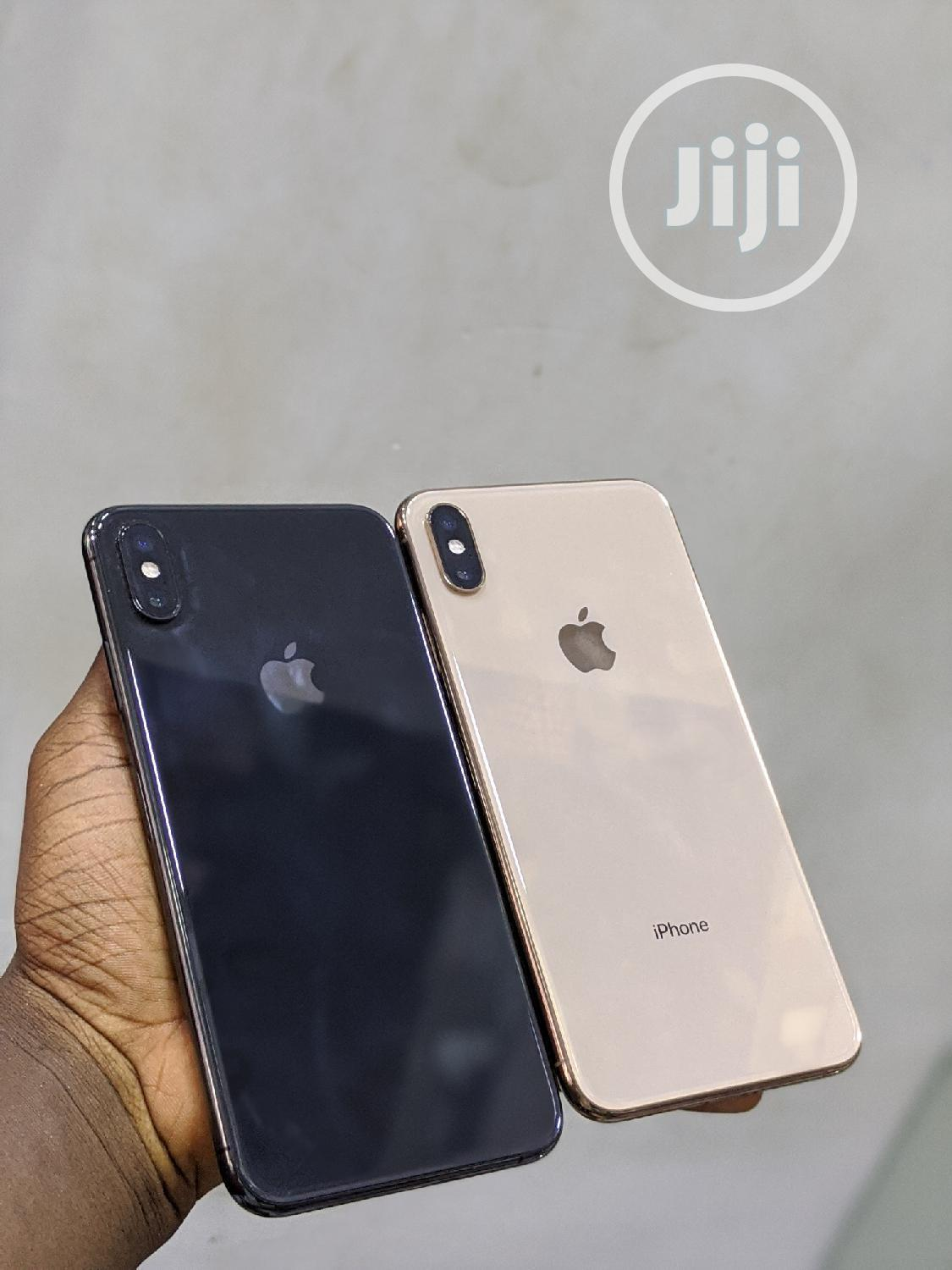 Archive: Apple iPhone XS Max 512 GB Black