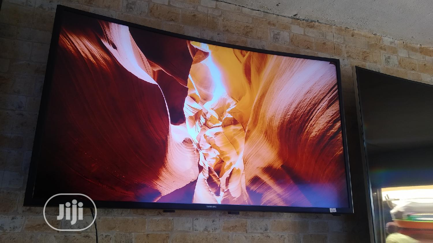 40 Inches Samsung Curved Smart Ultra High Definition 4k TV | TV & DVD Equipment for sale in Ojo, Lagos State, Nigeria
