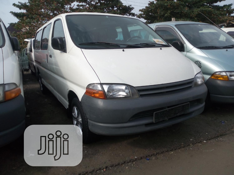 Archive: Toyota Hiace 2003 White