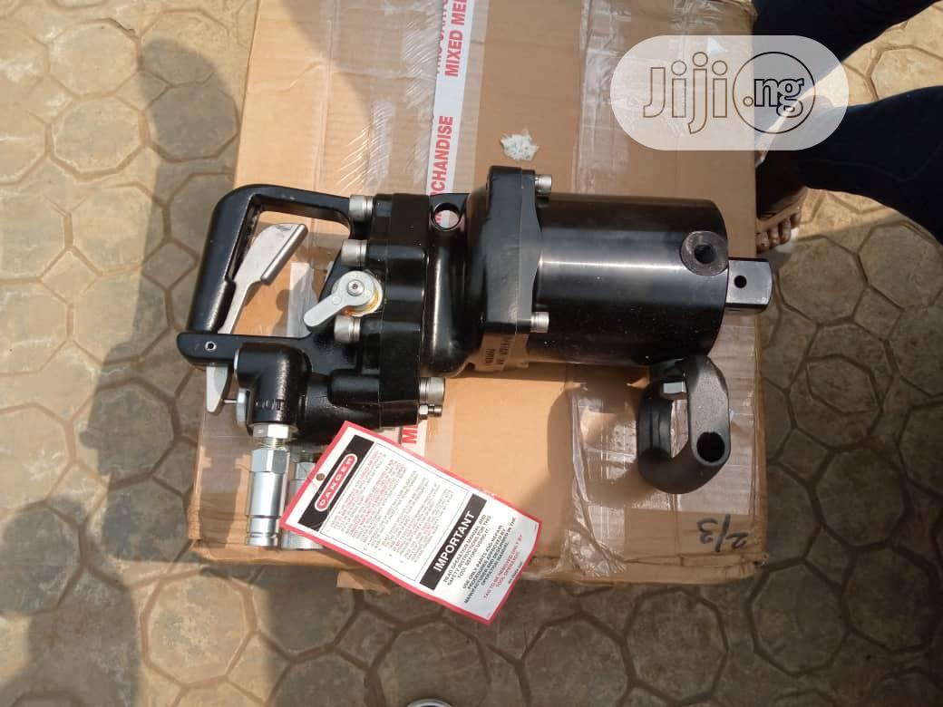 Hydraulic Impact Wrench