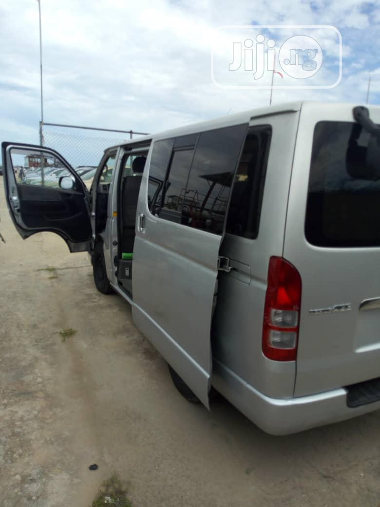 Tokunbo Toyota Hiace Diesel (Hummer Bus ) 2012 Silver | Buses & Microbuses for sale in Ojo, Lagos State, Nigeria
