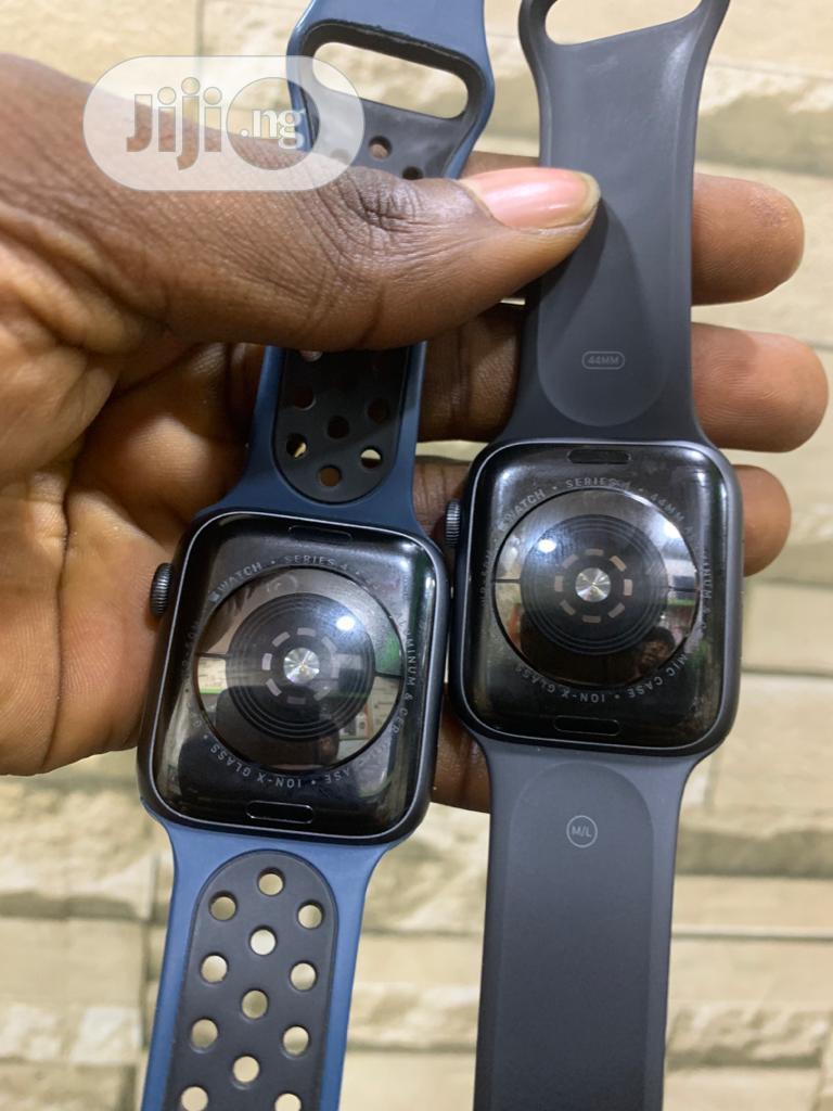 Apple Watch Series 5 44mm Lte