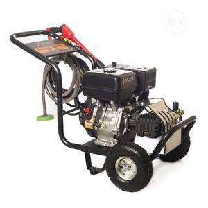 Original & New High Pressure Washer Machine. | Garden for sale in Lagos State, Ojo