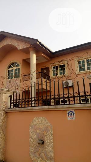 Well Renovated 3bedroom Flat At Magodo Phase1 Isheri Lagos | Houses & Apartments For Rent for sale in Lagos State, Magodo