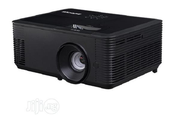 Infocus In-lumen XGA DLP Projector