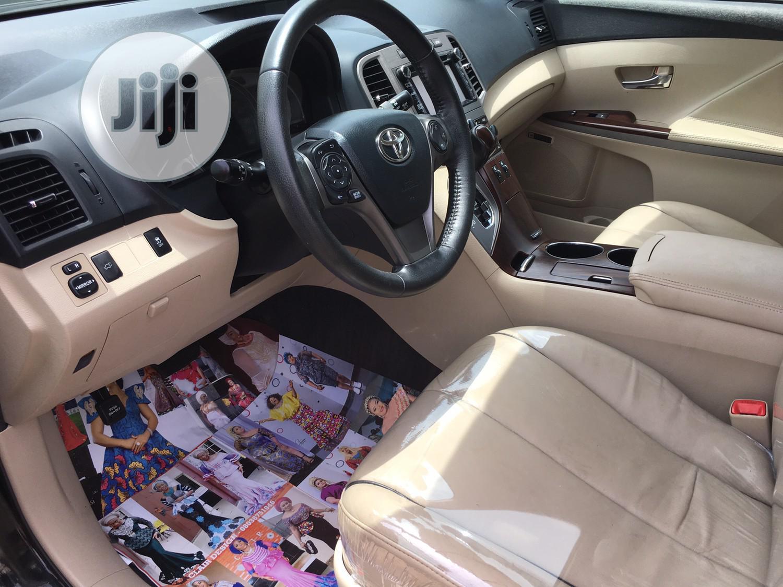 Archive: Toyota Venza 2013 XLE FWD V6 Black