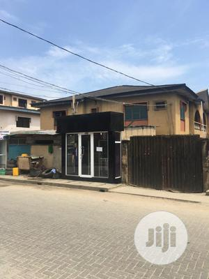 Ago Okota,4block 3BEDROOM FLAT   Houses & Apartments For Sale for sale in Lagos State, Isolo