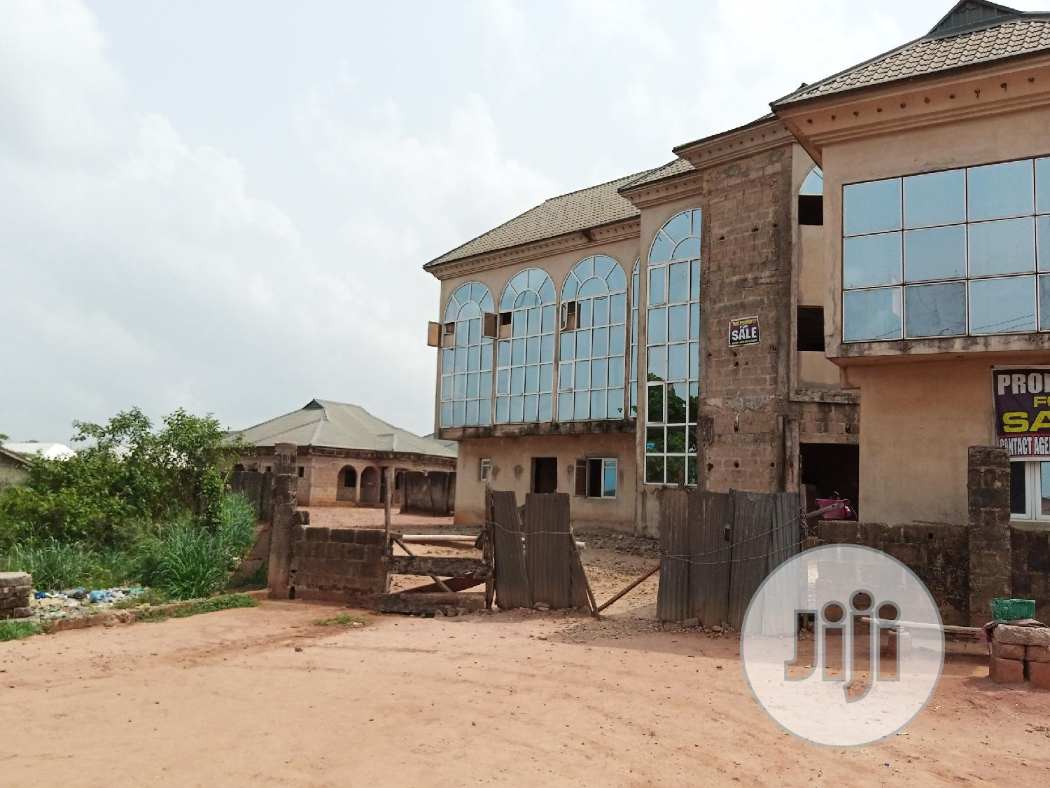 20 Rooms Hotel for Sale at Ovbiogie, Benin City