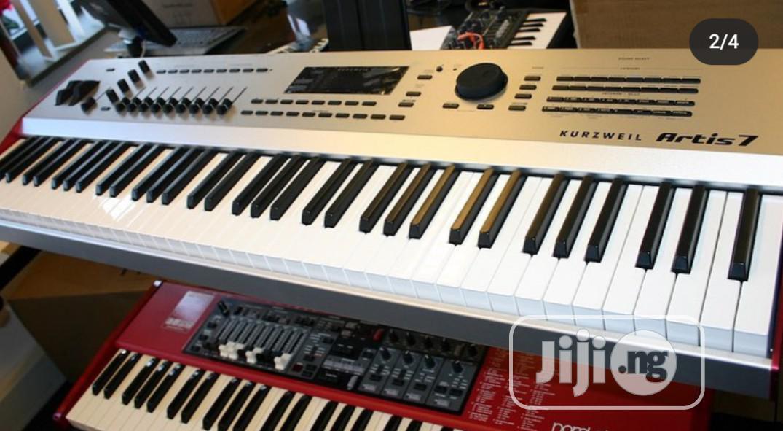 Kurzweil Artis 7 Piano