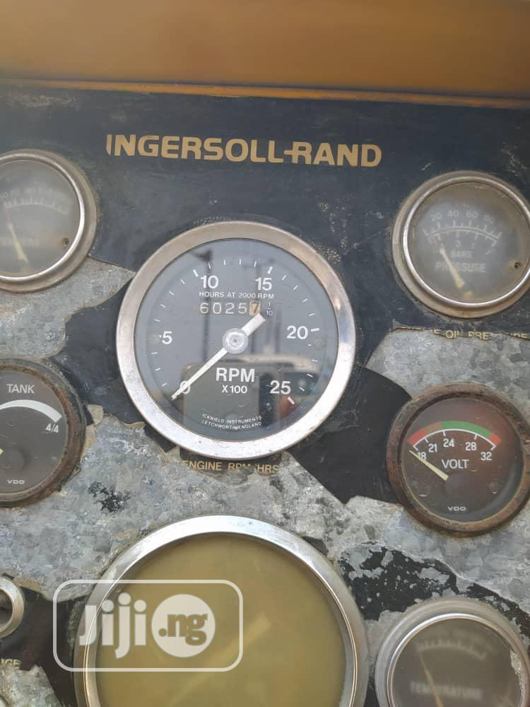 Tokunbo 900cfm Ingasoll Rand Air Compressor Six Cylinder Cat Engine | Manufacturing Equipment for sale in Apapa, Lagos State, Nigeria