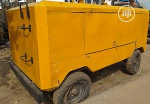 Tokunbo 900cfm Ingasoll Rand Air Compressor Six Cylinder Cat Engine | Manufacturing Equipment for sale in Lagos State, Apapa