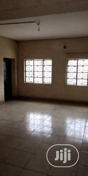 Standard 2bedroom Flat | Houses & Apartments For Rent for sale in Lagos State, Surulere