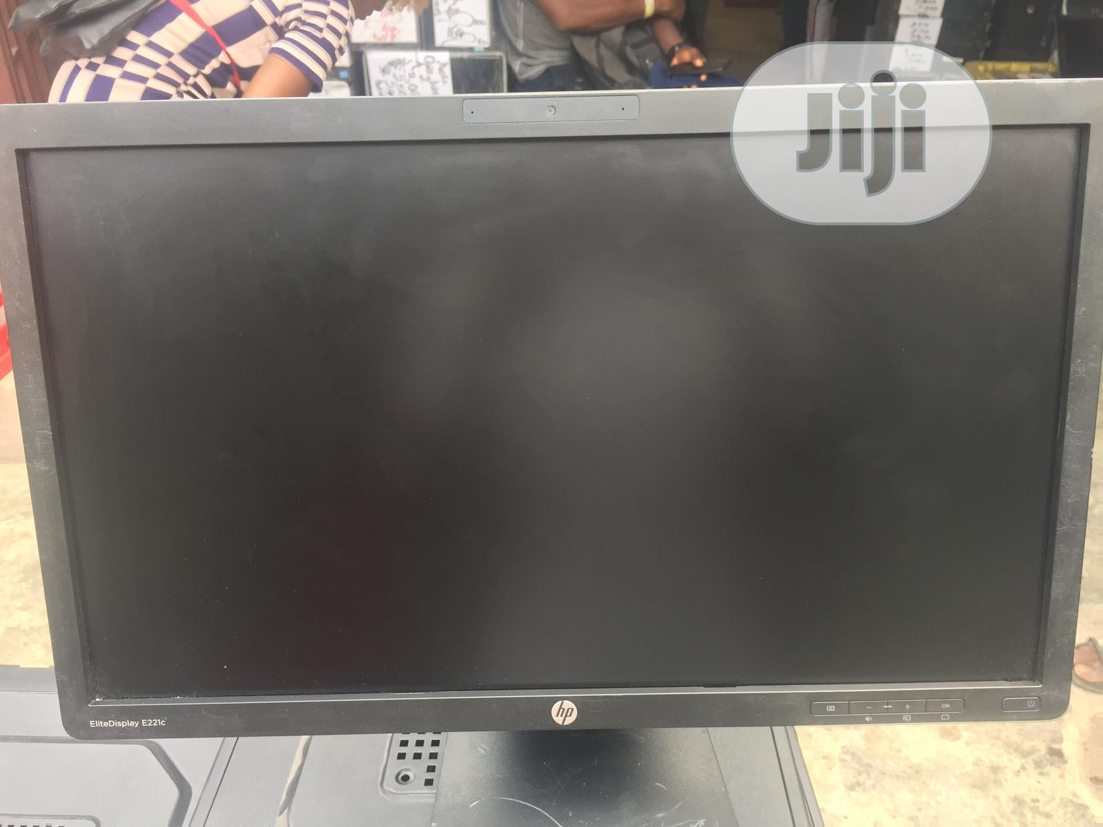 """Hp Monitor 22""""Inches With Power Cable And VGA Cable"""