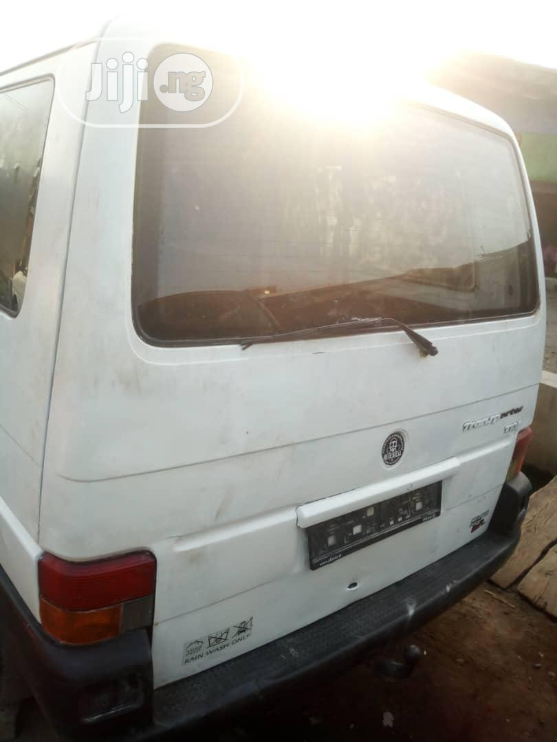 Clean Tokunbo Volkswagen T4 Diesel Long Chassis | Buses & Microbuses for sale in Surulere, Lagos State, Nigeria