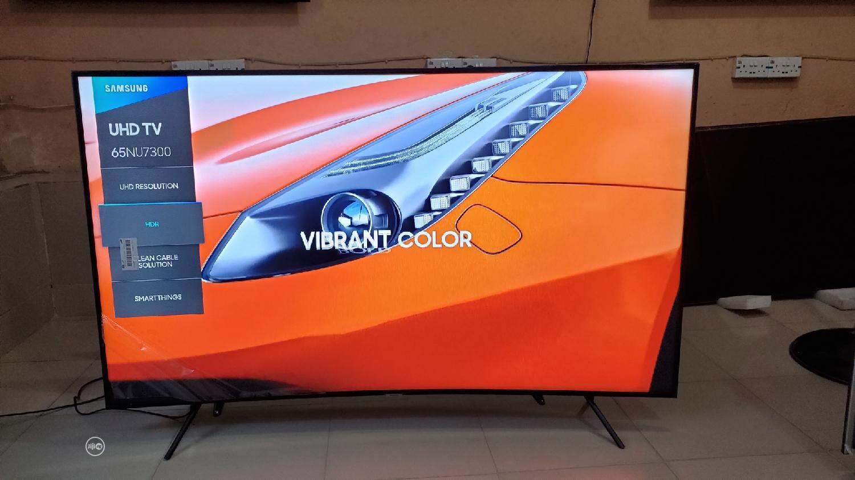 Samsun UE65NU7300 65inch Curved 4K Ultra HD Certified HDR Smart 2018