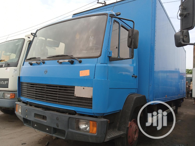 Mercedes Benz 814 Container Body Truck