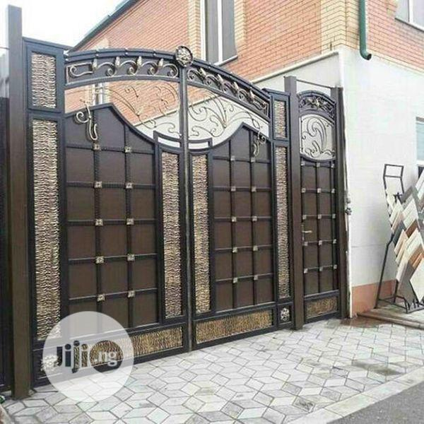 Archive: Brown Italian Gate