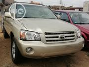 Toyota Highlander 2004 Limited V6 4x4 Gold | Cars for sale in Abuja (FCT) State, Nyanya