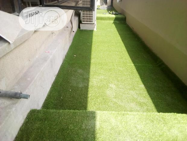 Design Your Musical And Photography Studio With Artificial Grass