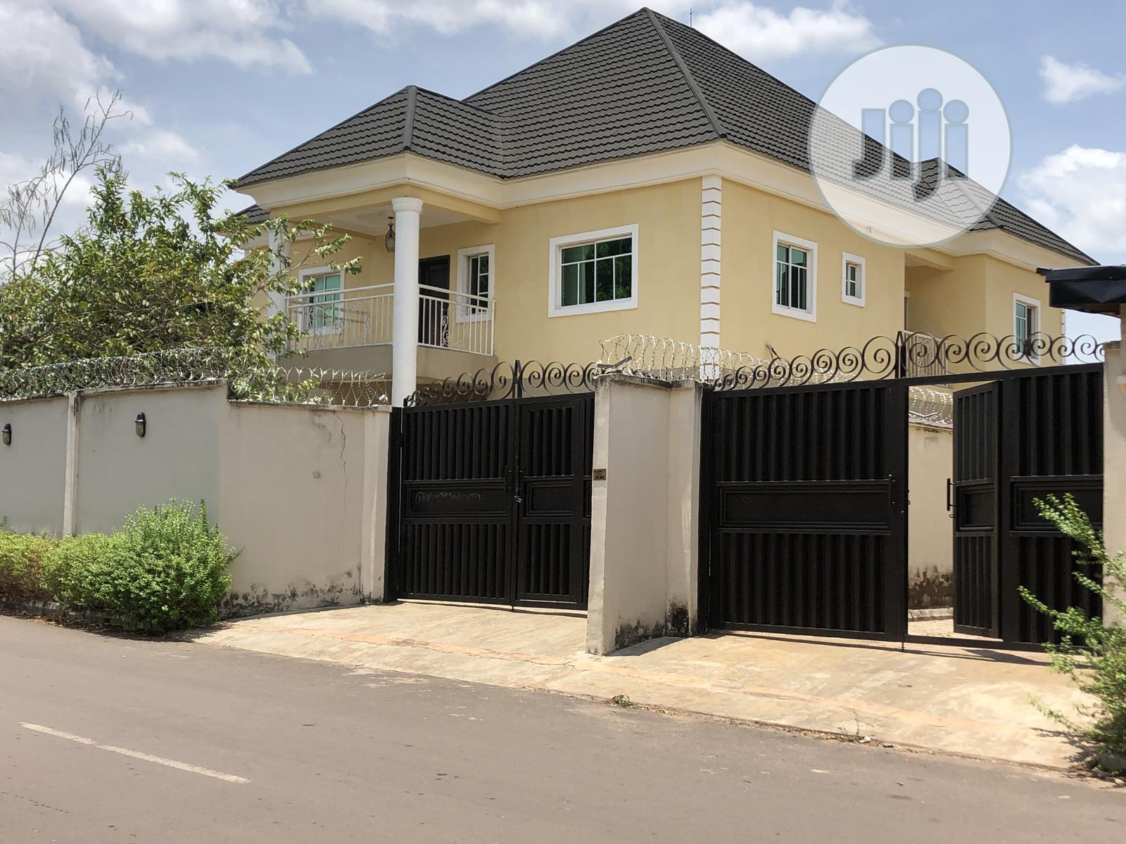 6 Bedrooms Duplex for Sale Enugu / Enugu