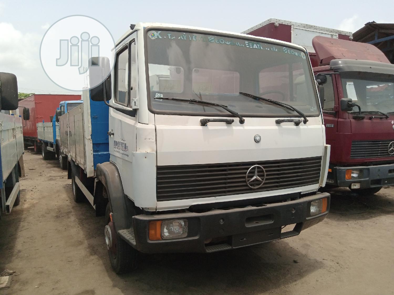 Mercedes Benz 814 Pick Up White Truck