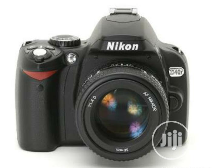 Nikon D40x SLR Camera