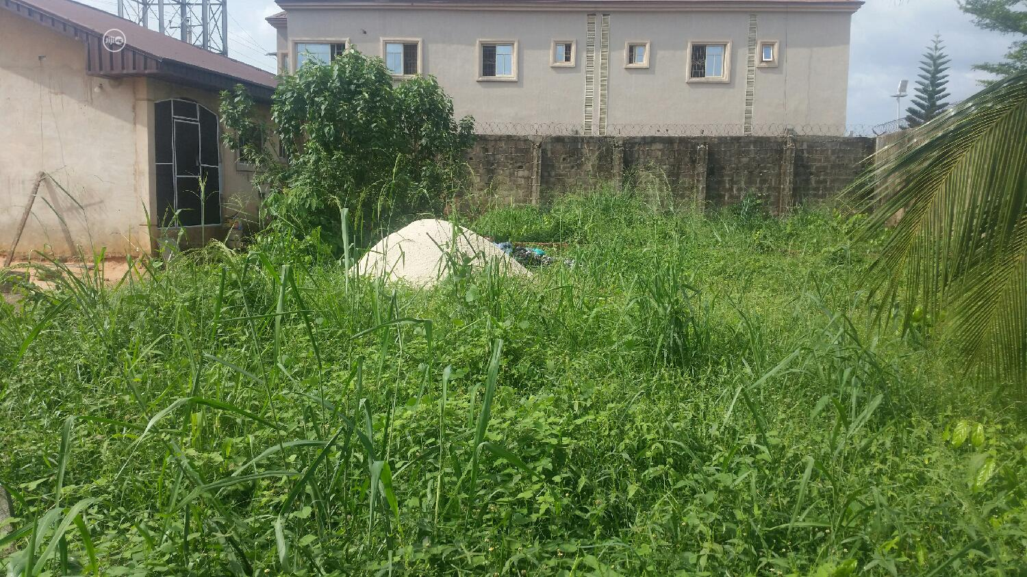 Distress Land for Sale on a Tarred Road | Land & Plots For Sale for sale in Benin City, Edo State, Nigeria