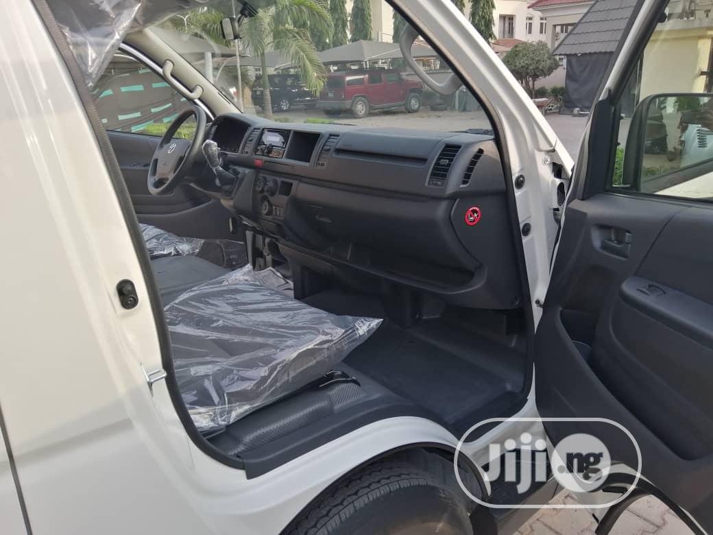 Archive: Brand-new Toyota Hiace 2019 White
