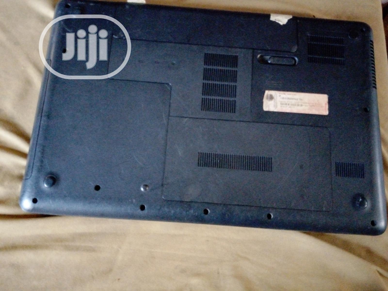 Archive: Laptop HP 630 4GB AMD 250GB